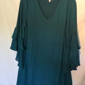 Gianni Bini green dress v neck